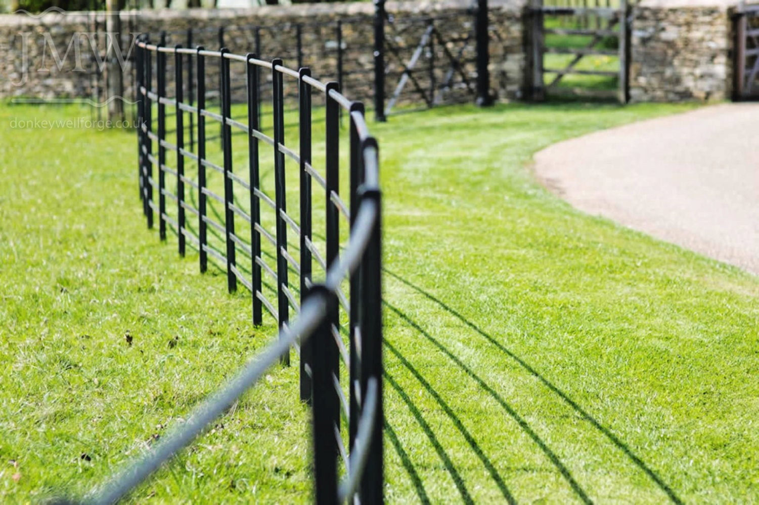 ornate-church-ironwork-fencing-cotswolds-donkeywell-forge
