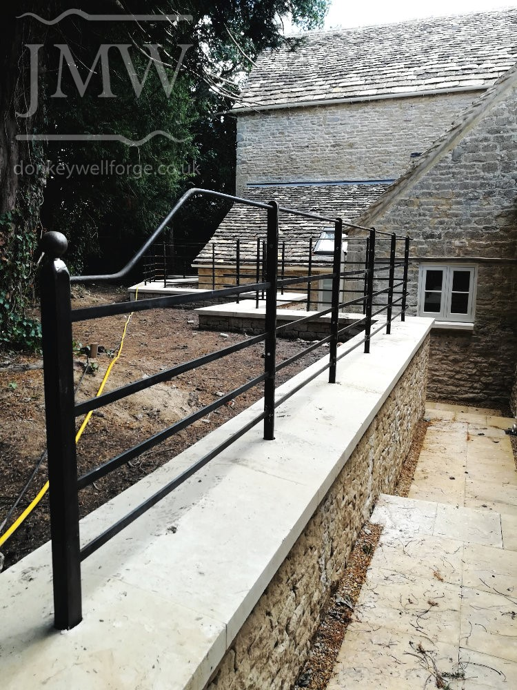 farm-railing-bespoke-iron-blacksmith-donkeywell-forge
