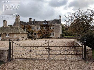 ornate-ironwork-country-house-gates-forged-scrolls-donkeywell-forge