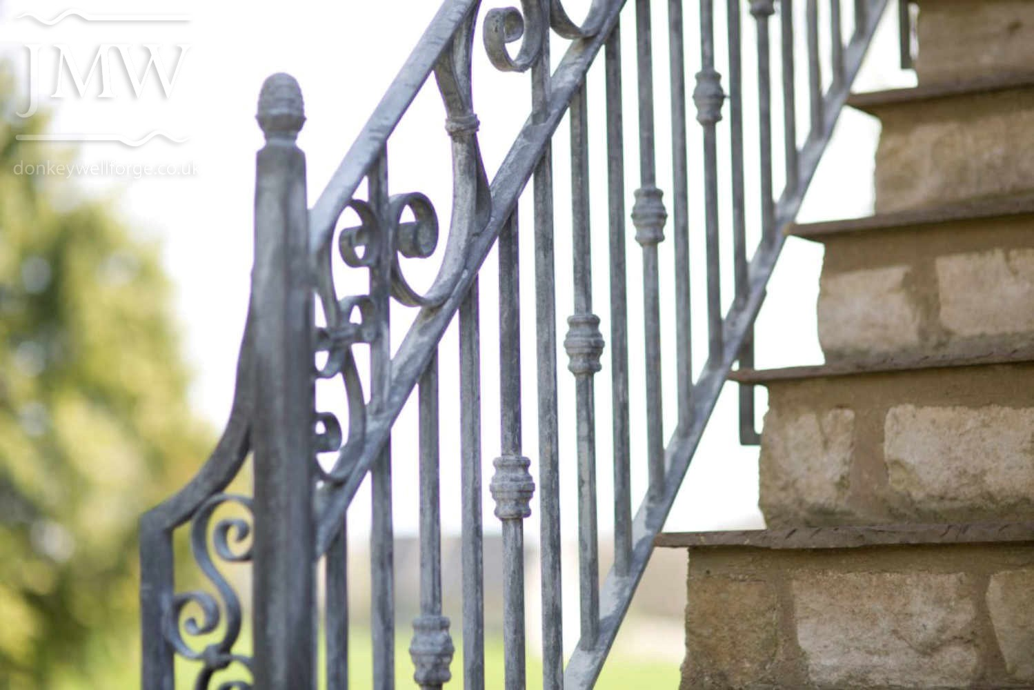 quenington-side-stair-rail-bespoke-ornate-iron-blacksmith-donkeywell-forge