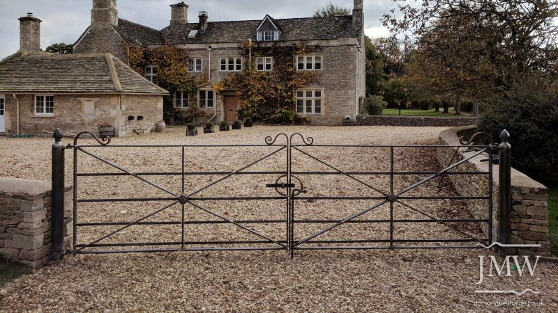 gate-country-house-cotswolds-donkeywell-forge