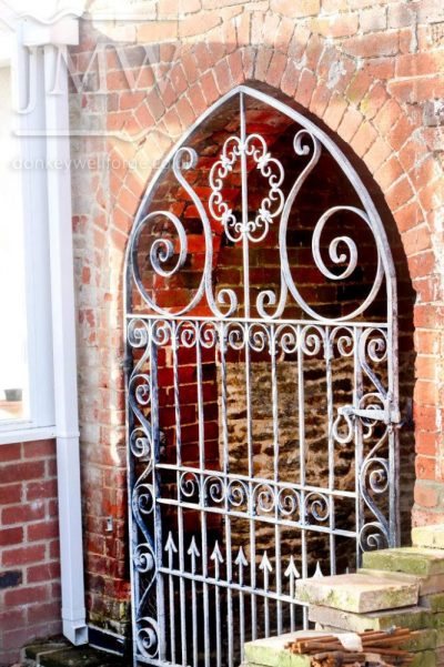 bespoke-arch-gate-garden-iron-ornamental-decorative-blacksmith-donkeywell-forge