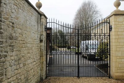 country-estate-garden-gates-scrolls-ironwork-donkeywell-forge-cotswolds-donkeywell-forge