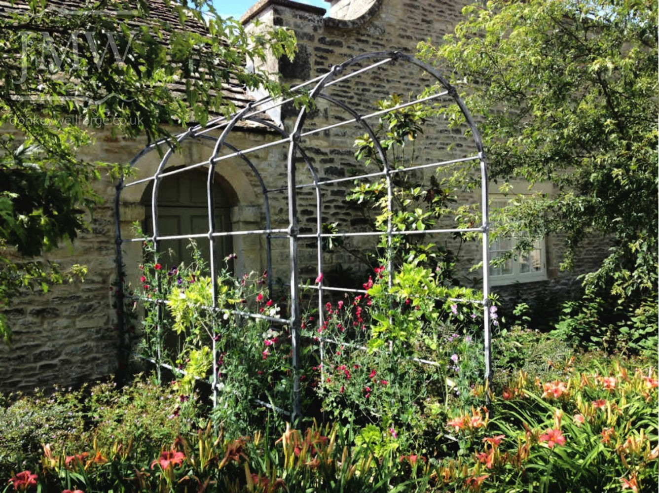 ironwork-garden-arch-country-house-iron-blacksmith-donkeywell-forge
