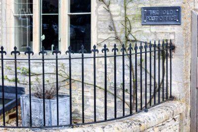 Ornate-wrought-iron-railings-cotswolds