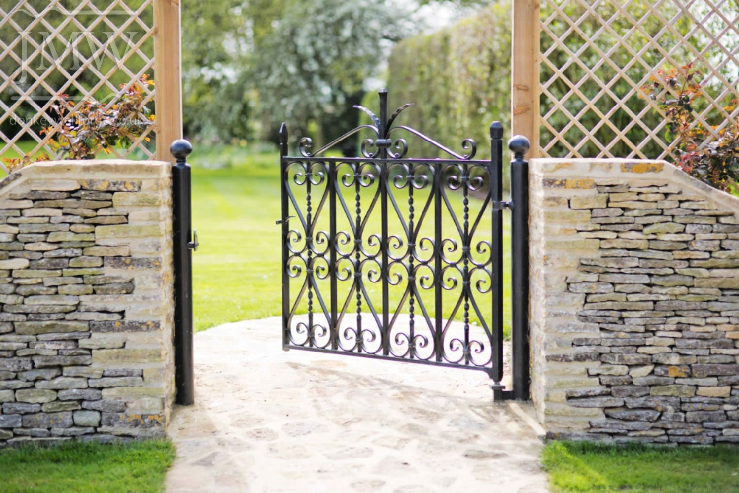 ornamental-ironwork-garden-gate-blacksmith-cotswolds-donkeywell-forge