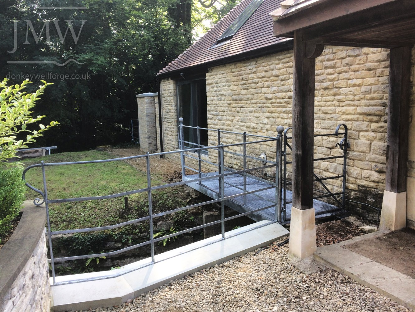 river-railing-bridge-gate-iron-cotswolds-architectual