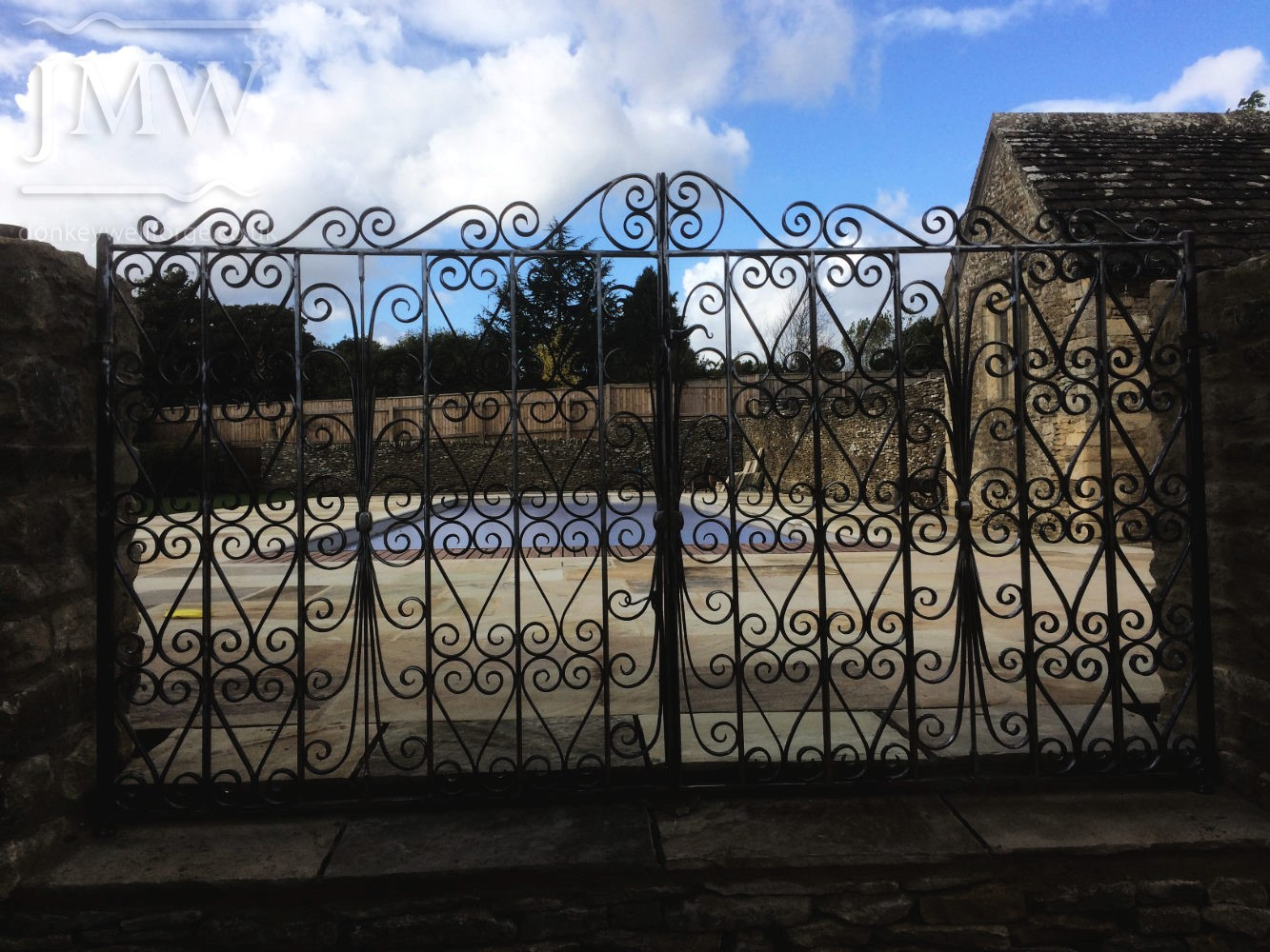 pool-gates-ornamental-cotswolds-iron-ornate-donkeywell-forge