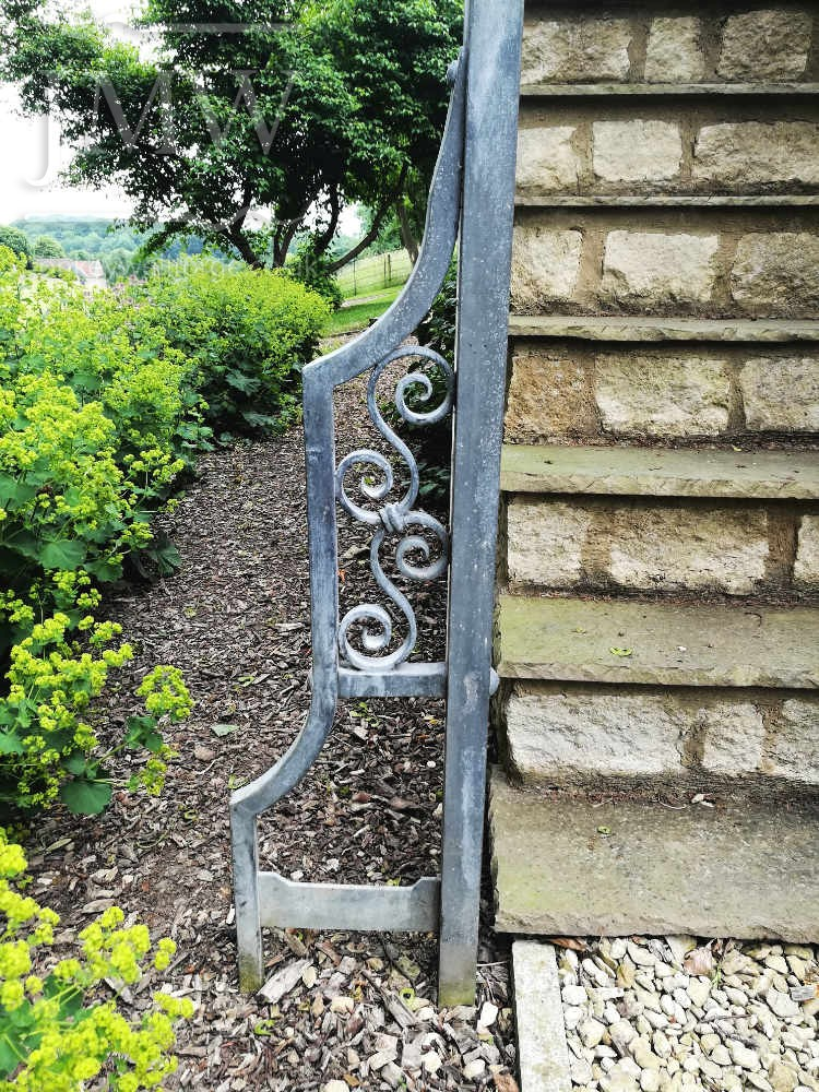 quenington-side-stair-rail-balustrade-ornate-iron-donkeywell-forge