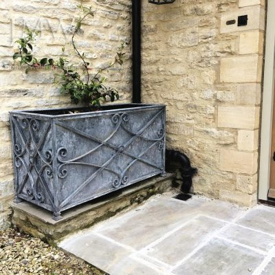 country-house-bespoke-planter-decorative-cotswold-blacksmith-donkeywell-forge