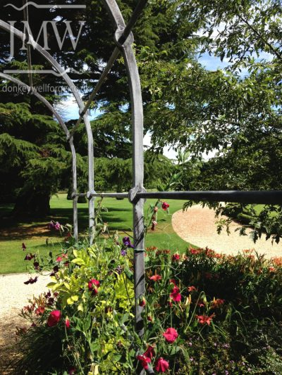 garden-arch-pergola-ironwork-architectual-cotswolds-donkeywell-forge-punched-bar