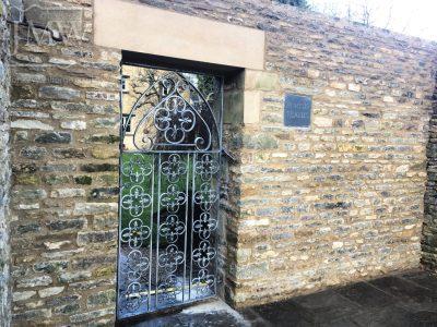 gothic-gate-bespoke-arch-iron-blacksmith-cotswolds-donkeywell-forge