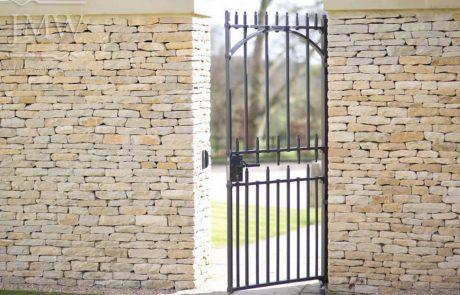 iron-gate-country-estate-bespoke-blacksmith-donkeywell-forge-architectual