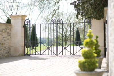 wrought-country-estate-gates-iron-blacksmith-donkeywell-forge-tennoned-riveted