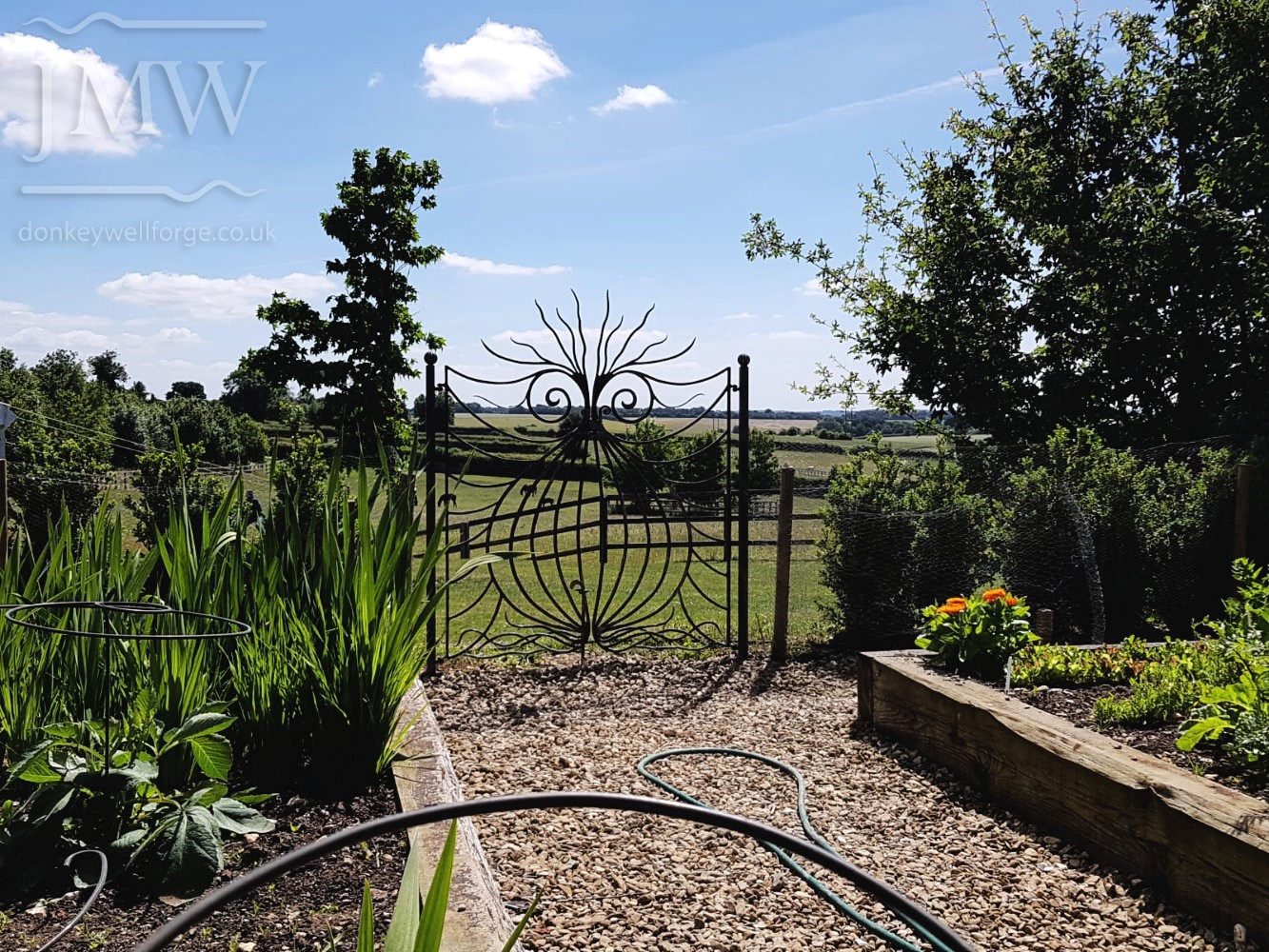 bespoke-onion-gate-ornate-blacksmith-garden-donkeywell-forge-ironwork