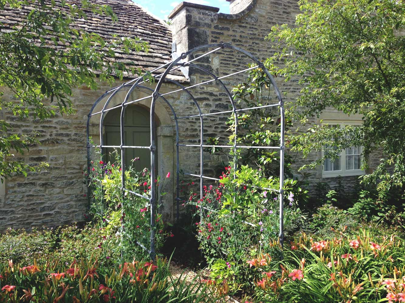 garden-arch-country-house-iron-punched-bar-donkeywell-forge