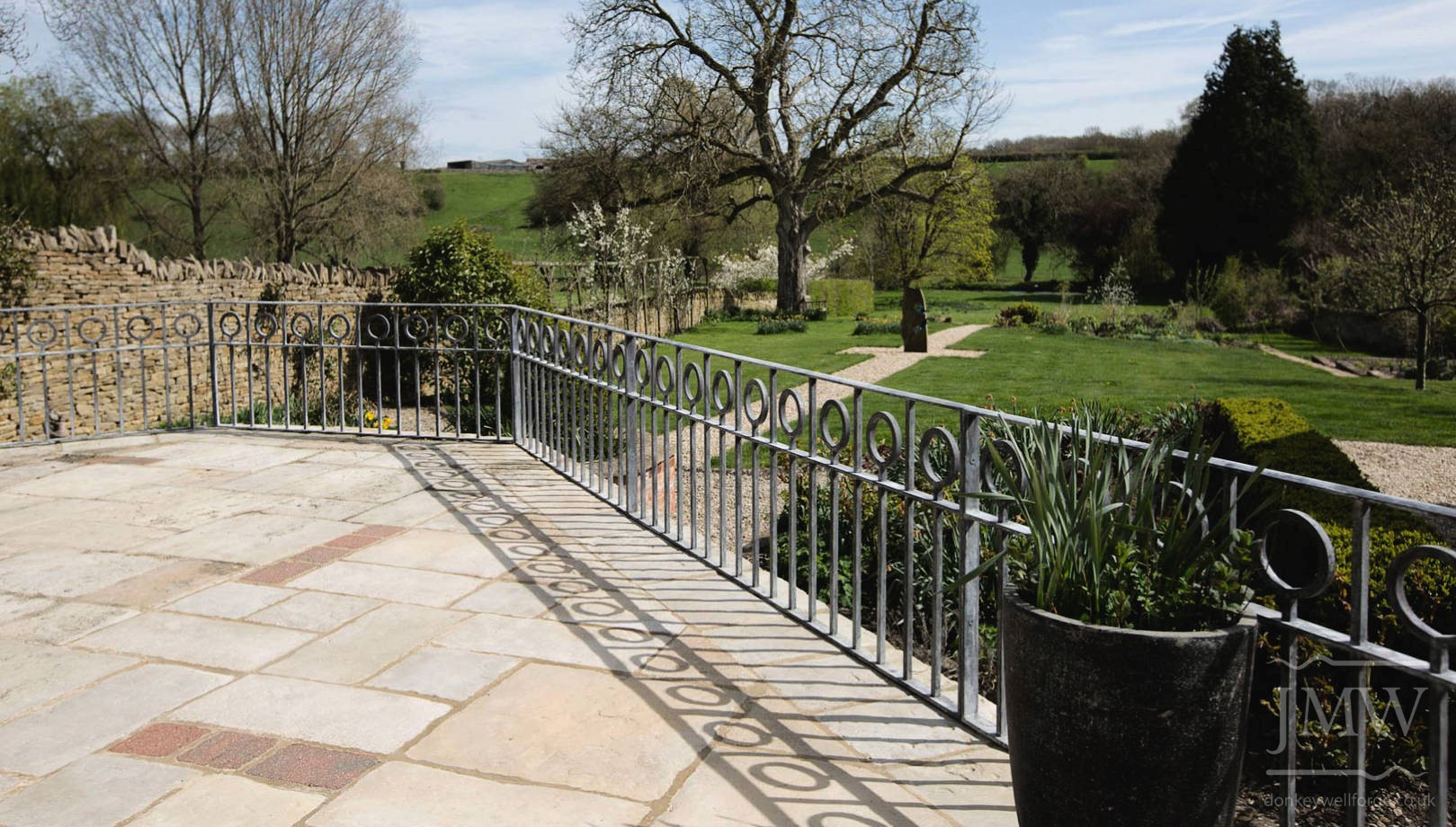 ironwork-railings-lead-finish-donkeywell-forge