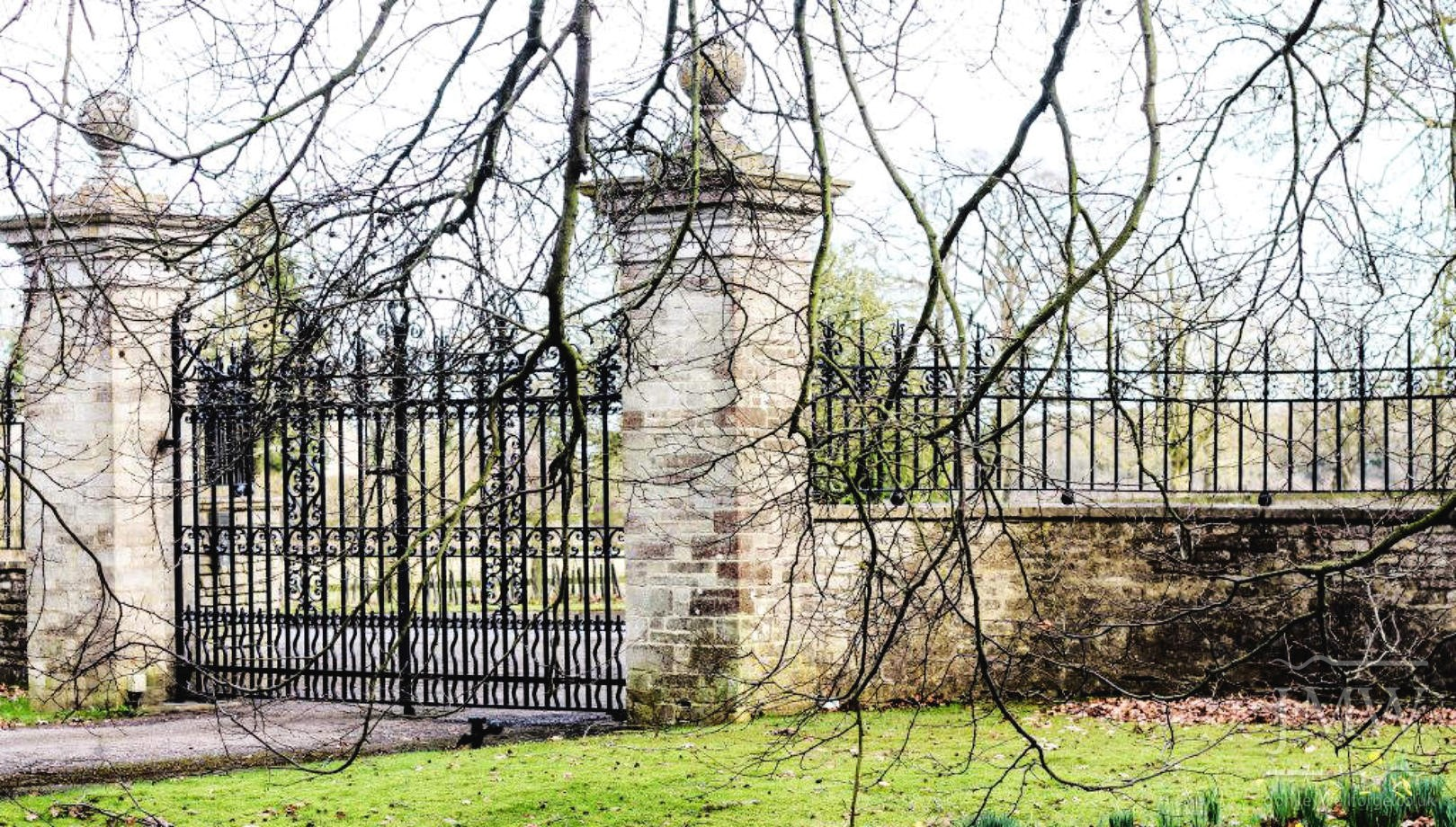 forged-ironwork-railings-country-estate-donkeywell-forge