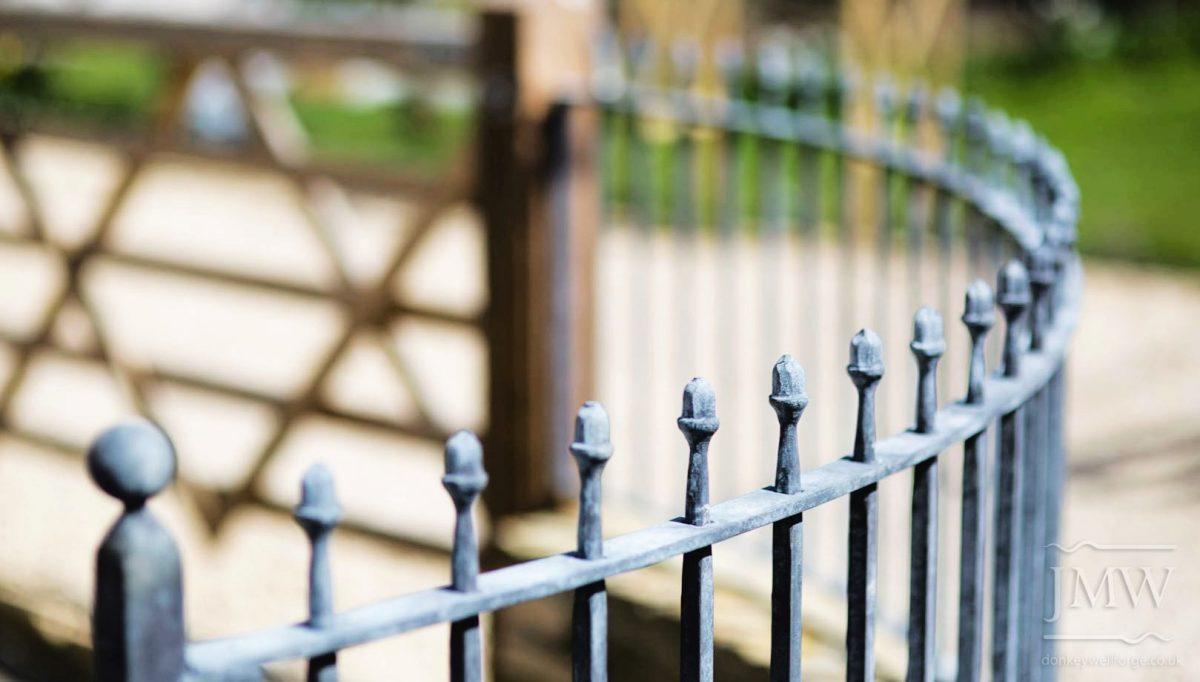 acorn-railings-ironwork-country-house-detail-donkeywell-forge