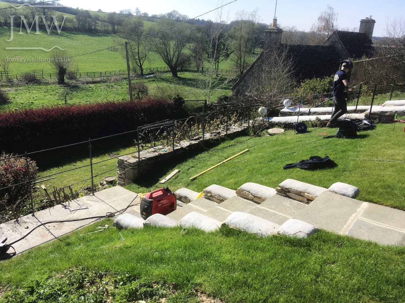 installing-cotswold-garden-metalwork-railings-forged