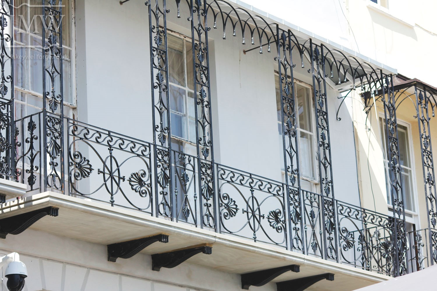 balcony-railings-iron-forge-blacksmith-cheltenham-restoration-lead-castings