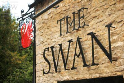 swan-signage-metalwork-cotswolds-pub