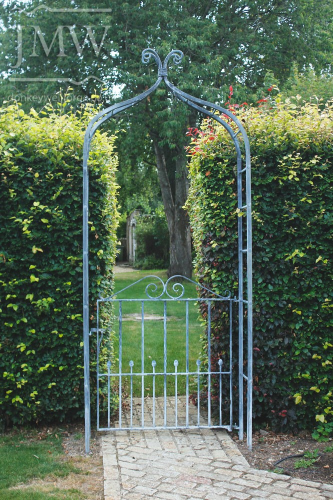 ornate-lead-finish-garden-arch-ironwork