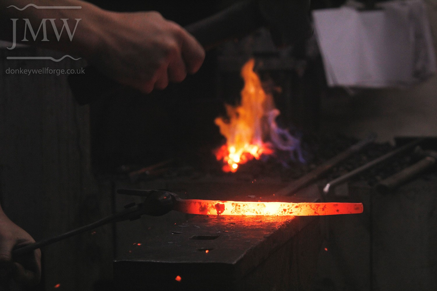 forging-blacksmith-cotswolds