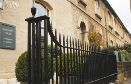 georgian-traditional-ironwork-railings-cirencester