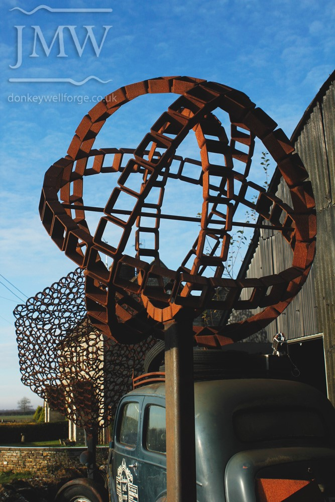 iron-art-sphere-display-blacksmith-forge-gloucestershire-donkeywell