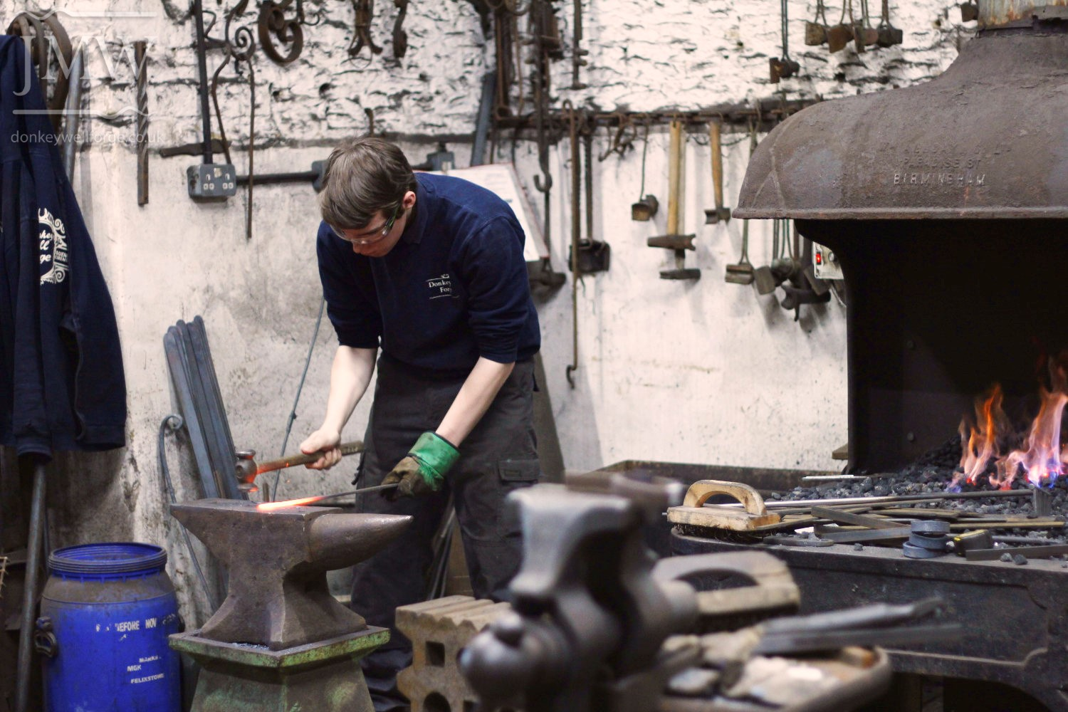 forging-traditional-blacksmith-cotswolds