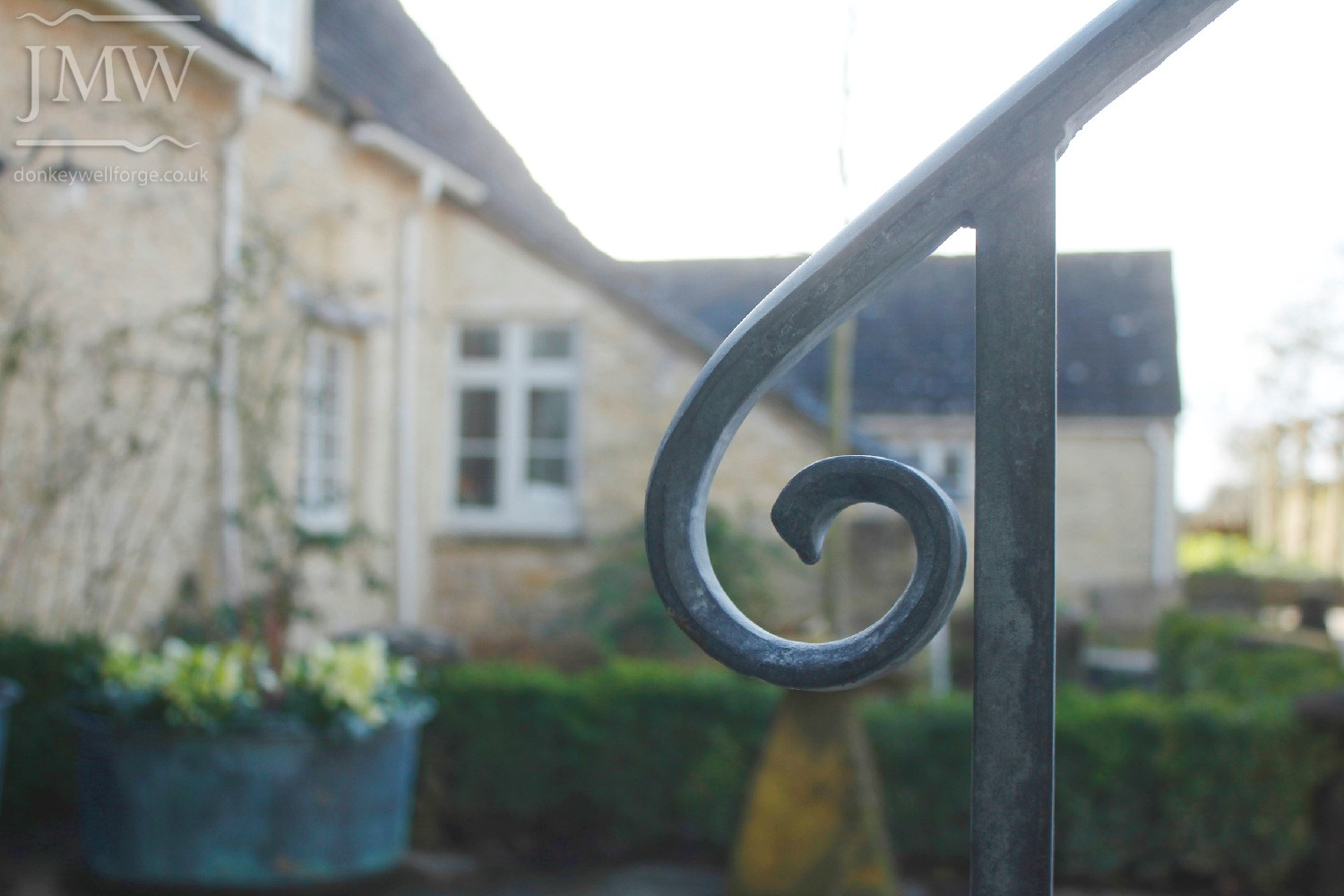 traditional-tallet-stair-handrail-detail-architectural-blacksmith