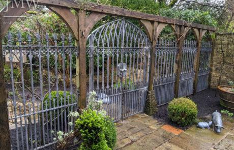 gothic-garden-railings-gates-traditional-ironwork