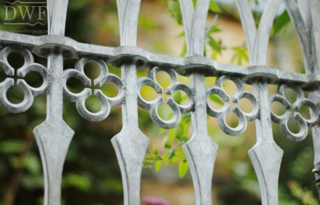 gothic-garden-railings-gates-traditional-ironwork-detail-quatrefoils-forged-swellings