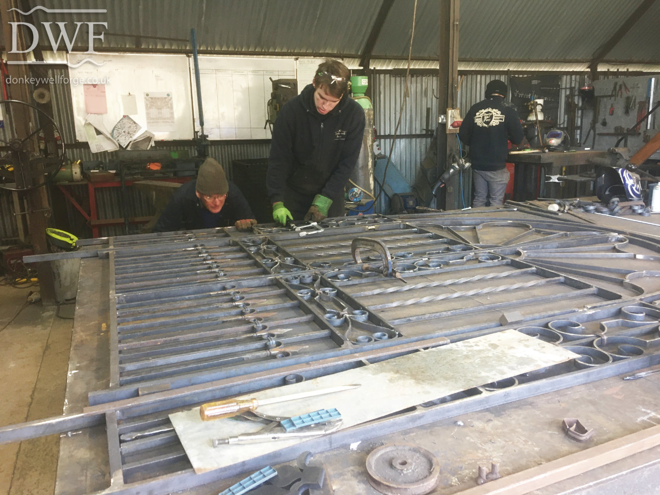 making-ornate-traditional-ironwork-forged-gates-donkeywell-forge-scrollwork