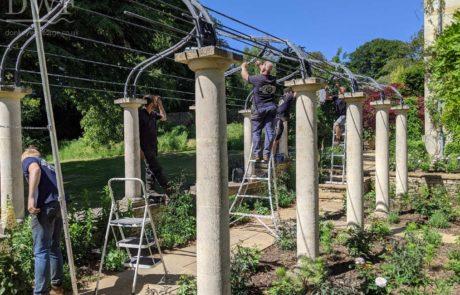 installation-traditional-ironwork-gothic-garden-arches