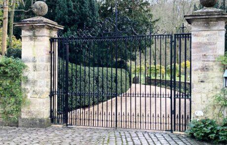 traditional-estate-ironwork-gates-handforged-scrolls-finials-railheads