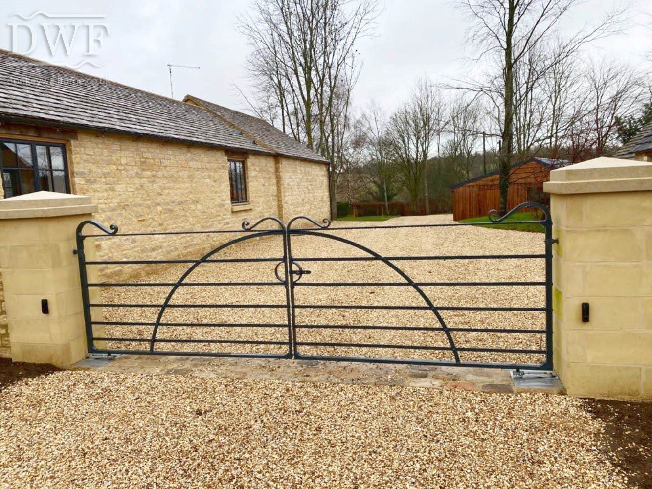 riveting-traditional-forged-driveway-estate-gates-tennoned-swellings