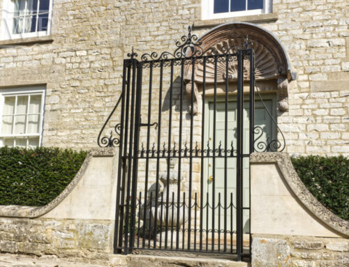 Forged Traditional Entrance Gate and Pilasters