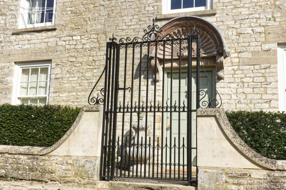 forged-traditional-finials-scrollwork-railheads-iron-blacksmith-pilasters-gates-pedestrian-entrance-latch